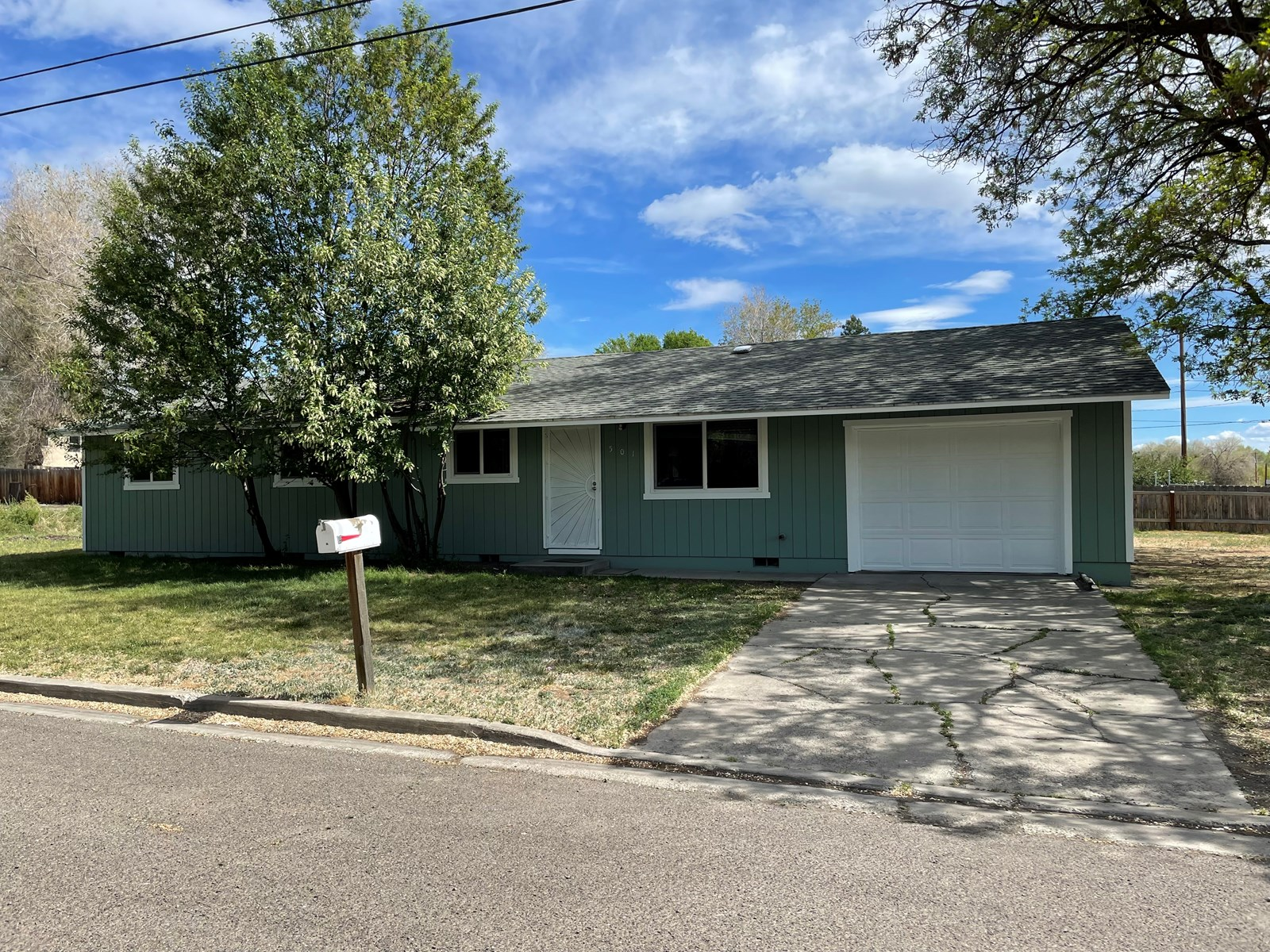 4 bed/2 bath 1248 Sq. Ft home in town of Alturas, Ca.