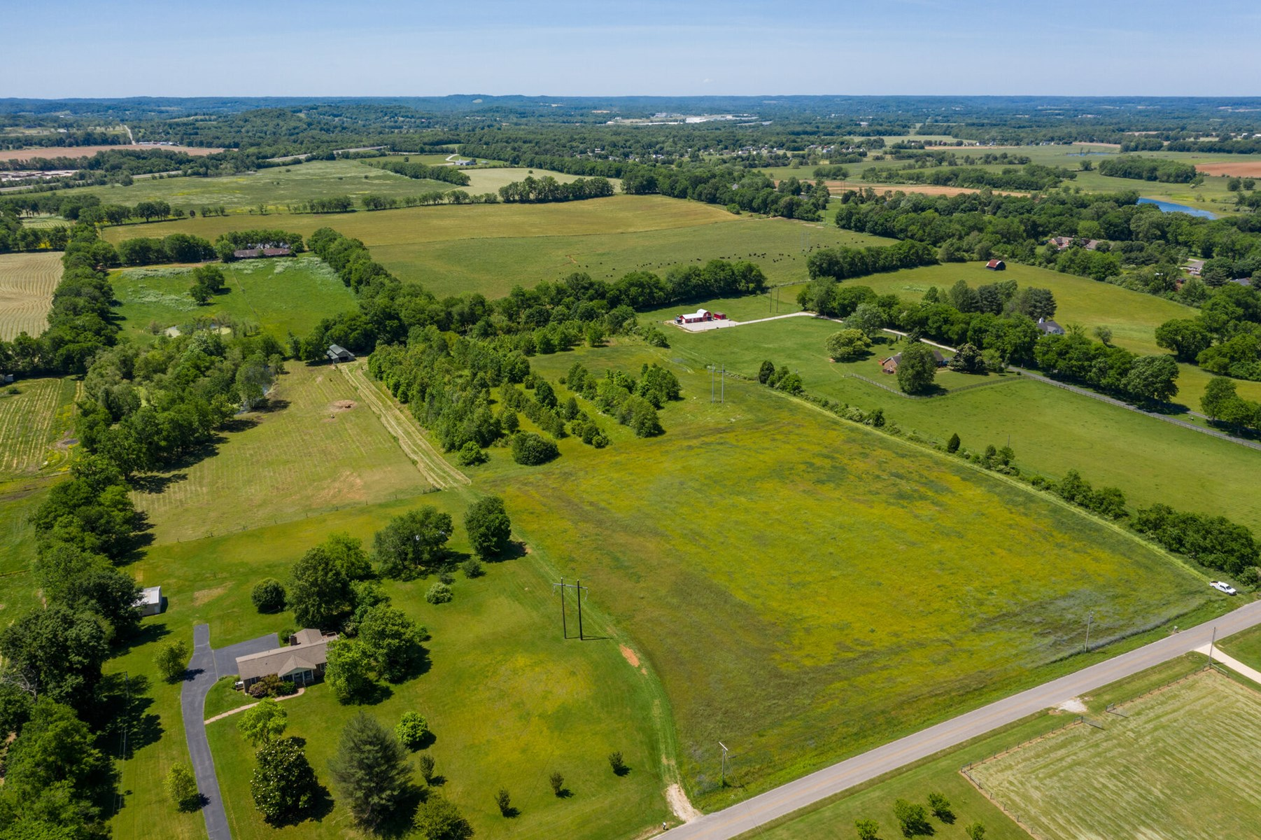 Acreage with Road Frontage for Sale in Columbia, Tennessee