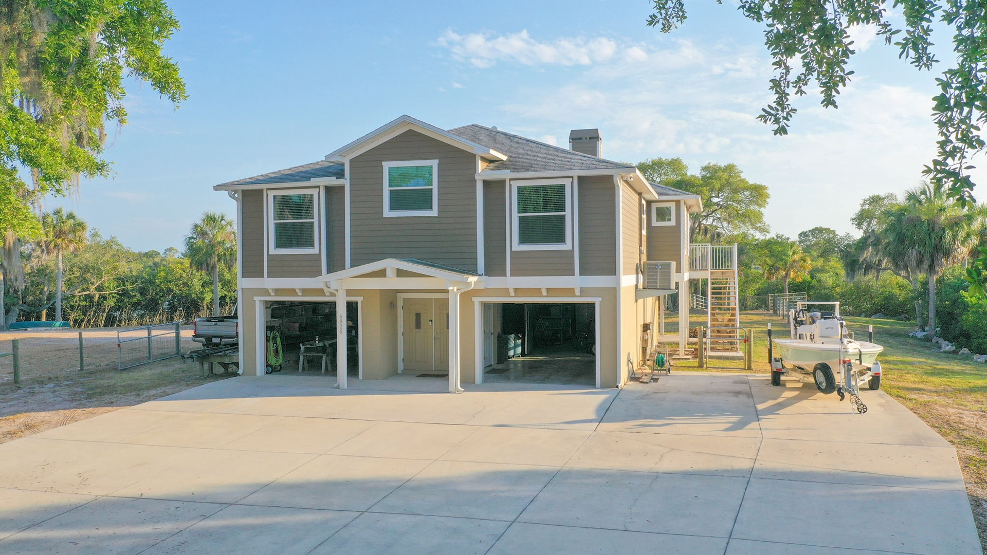 Pasco County, FL Coastal Equine Property with Home For Sale