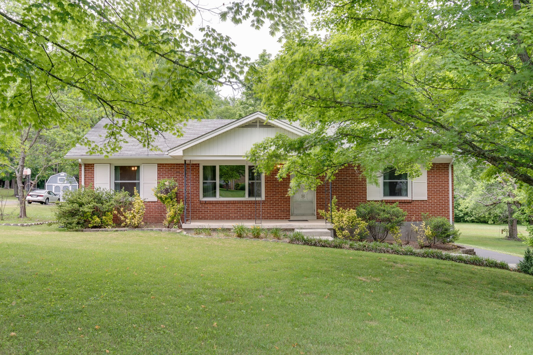 Single Family Home for Sale in Hardie Acres in Columbia, TN