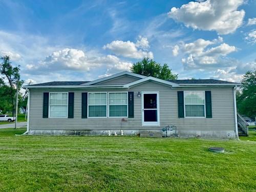 Stewartsville, MO Home For Sale