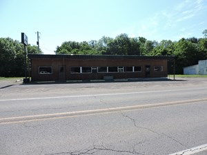 COMMERCIAL BUILDING FOR SALE!