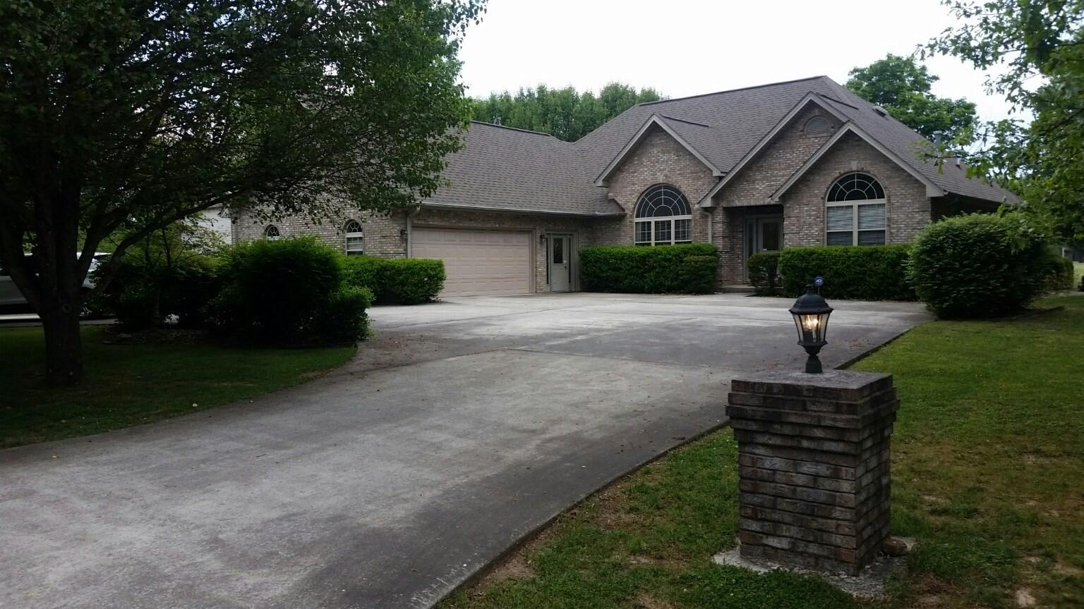 Brick Home for sale 1112 Arrowhead Dr, Crossville TN 38572