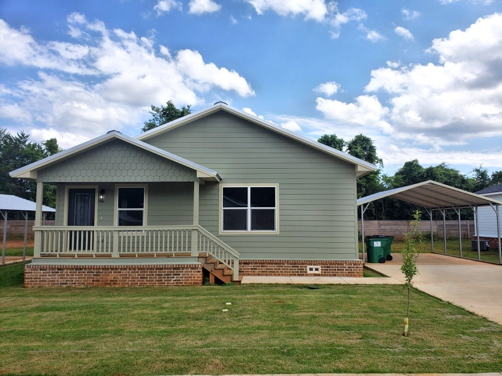 SINGLE FAMILY RESEDENTIAL HOME