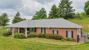 BEAUTIFUL COUNTRY HOME FOR SALE IN WILLIS VA!
