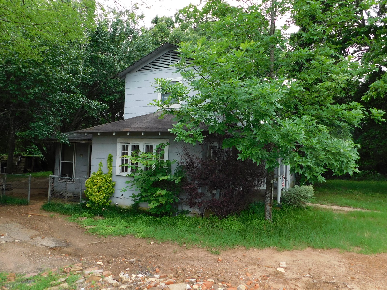 GREAT, SMALL ACREAGE TRACT WITH HIGHWAY FRONTAGE