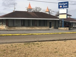 COMMERICAL BUILDING FOR SALE AT AUCTION BEAN STATION TN