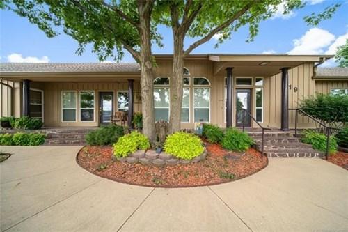 Beautiful Lake Home For Sale in Pryor, Oklahoma