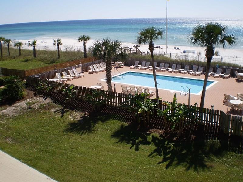 2nd Floor Balcony Pool View