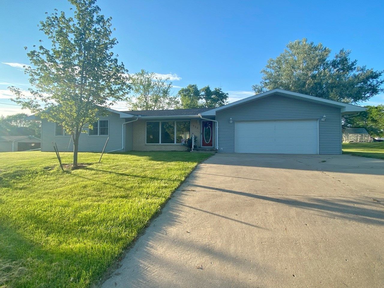 Ranch Home For Sale in Mount Ayr Iowa