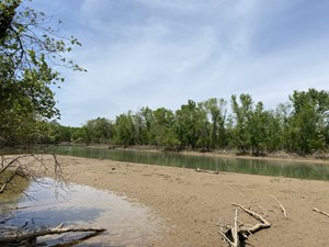 WATERFRONT LAND FOR SALE IN SAVANNAH, TN ON INDIAN CREEK