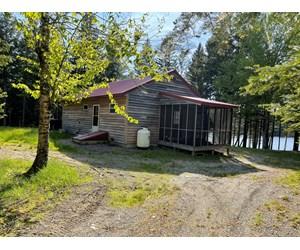Lakefront Cottage on Rocky Lake