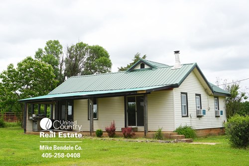 Hunting Land with Home For Sale in Lincoln County, OK