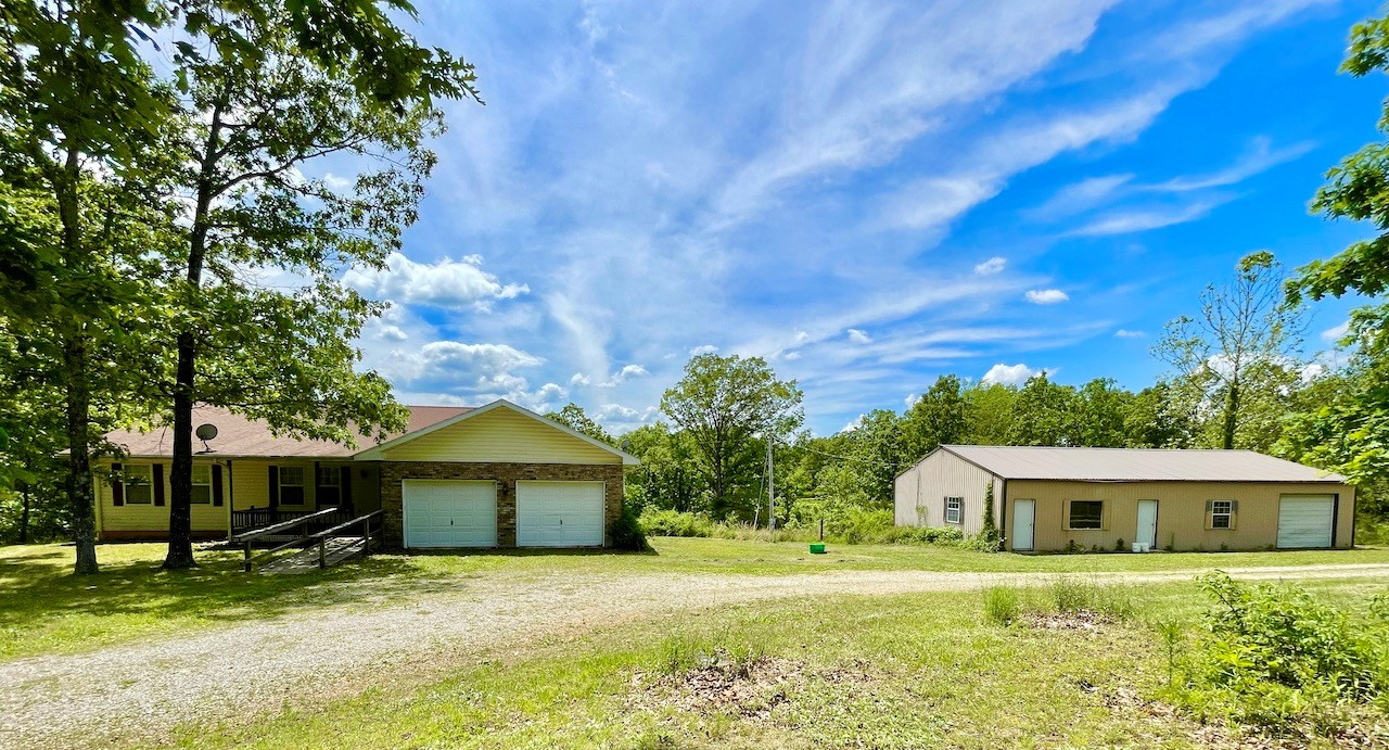 Country Home and Acreage for Sale in Southern Missouri