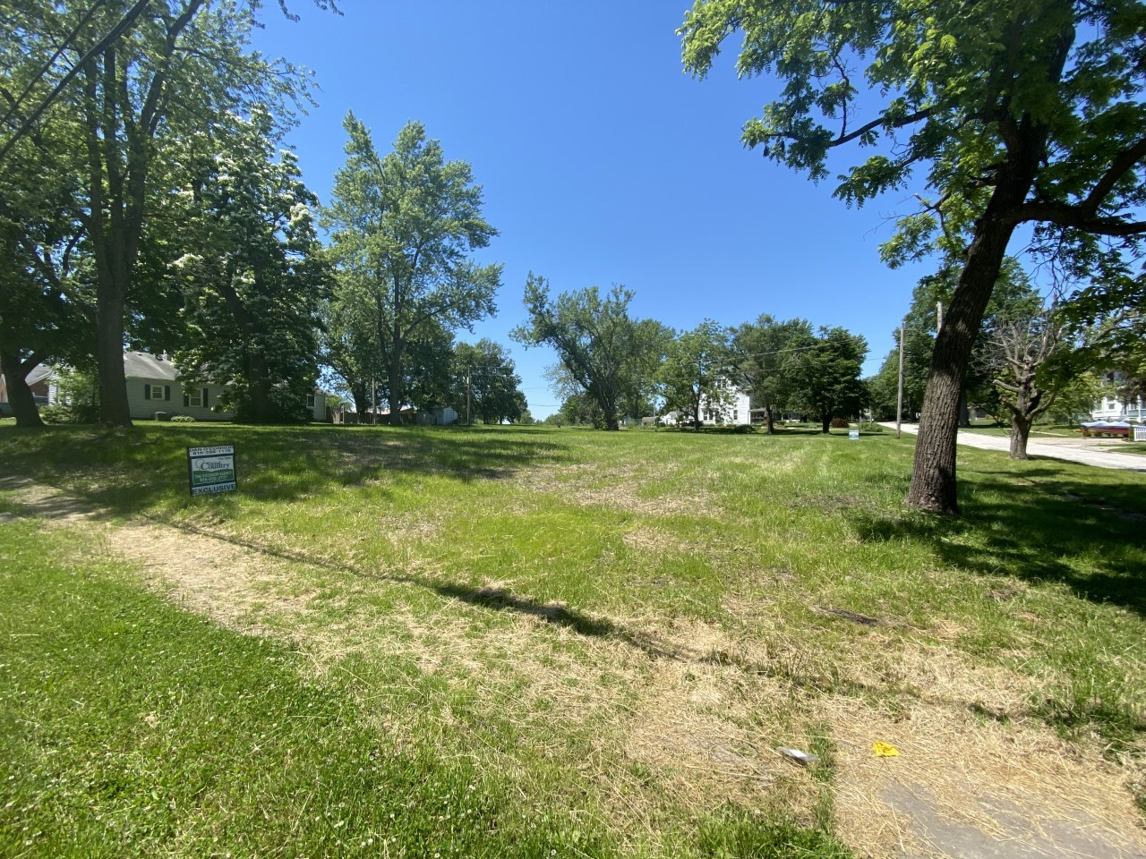 FOR SALE 1/2 ACRE LOT INSIDE CITY LIMITS OF CAMERON, MO