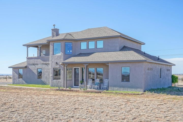 Stunning Southwest Style Home For Sale in Edgewood, NM
