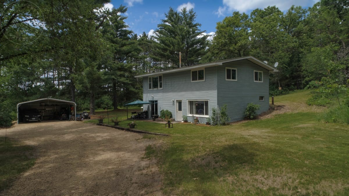 Country Home For Sale in Adams County, Wisconsin