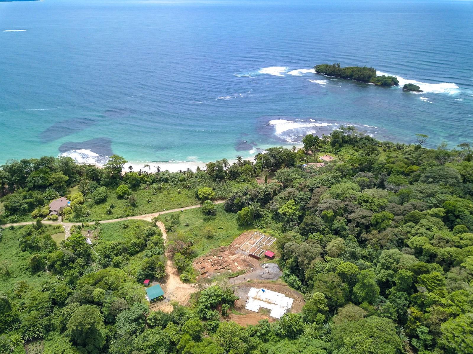 Beachfront condo for under 140K, Bocas del Toro, Red Frog