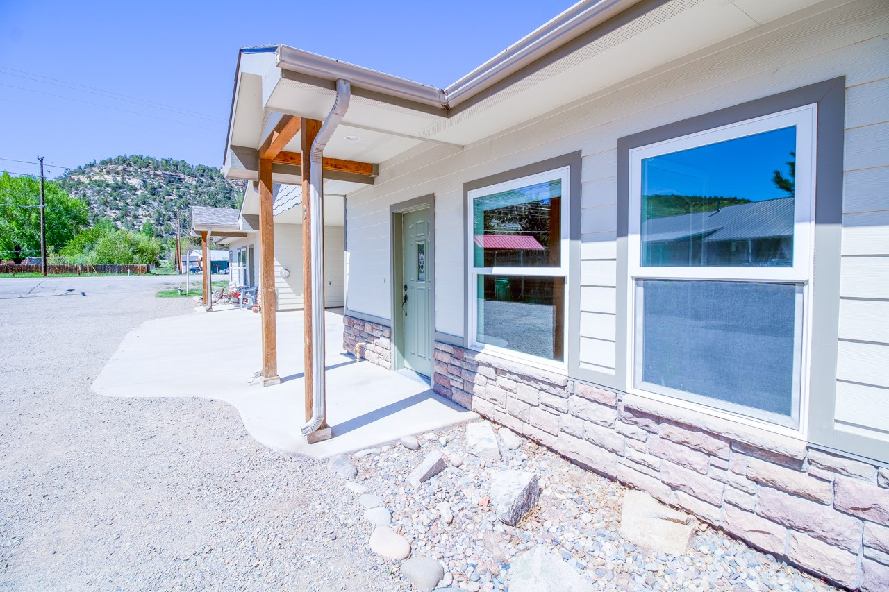 Cozy Well Maintained Condo For Sale in Dolores, Colorado!