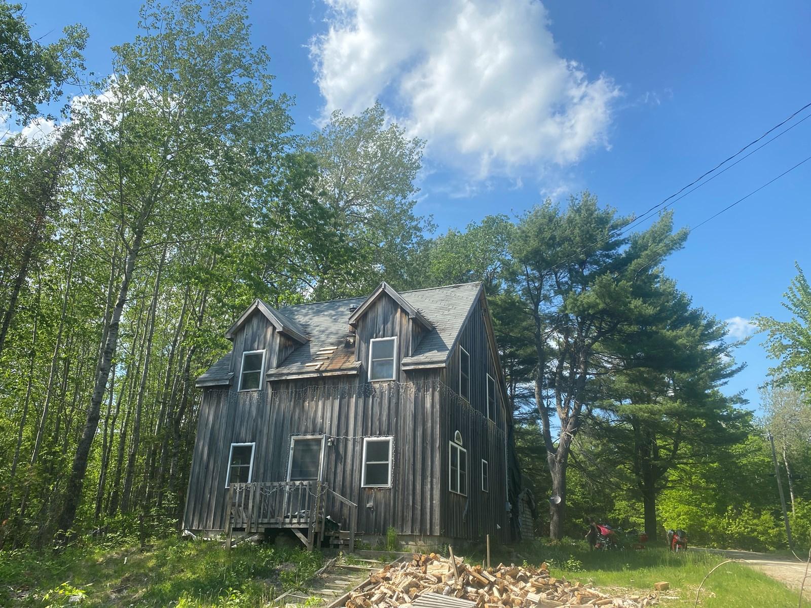 Four-Season Cabin in Burlington, Maine