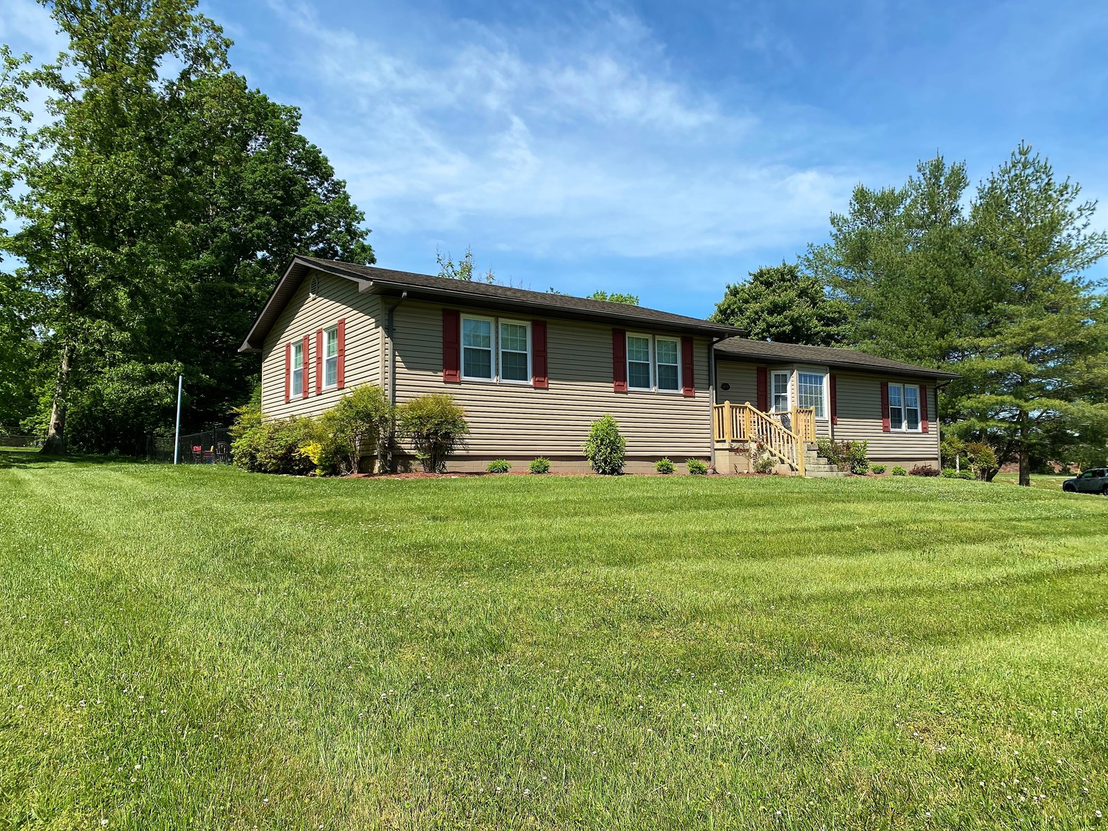 SPACIOUS 3 BEDROOM HOME - GREAT LOCATION - LIBERTY KENTUCKY