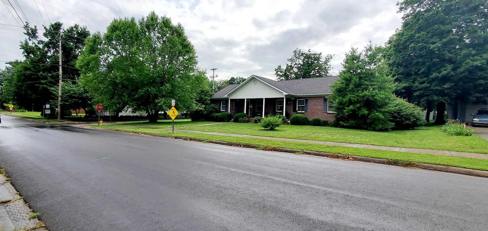 3 Bedroom 2 Bath brick home for sale in Franklin, Ky.
