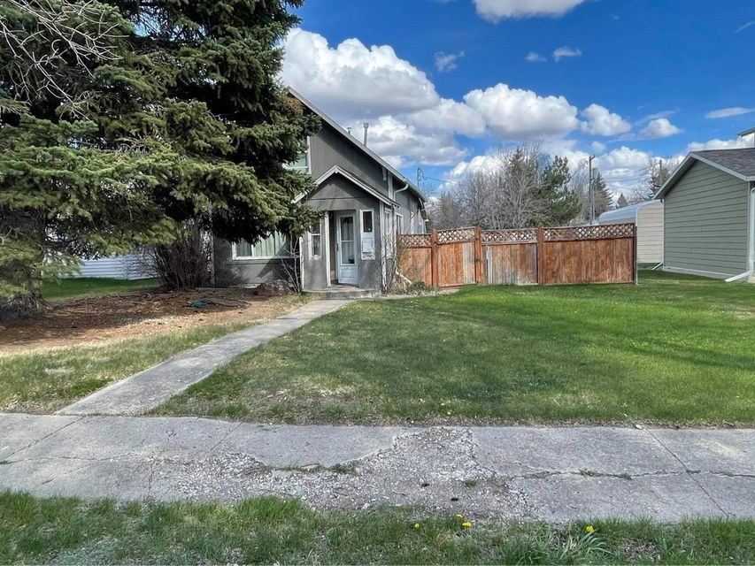 Montana property for sale. Great investment,  or starter hom