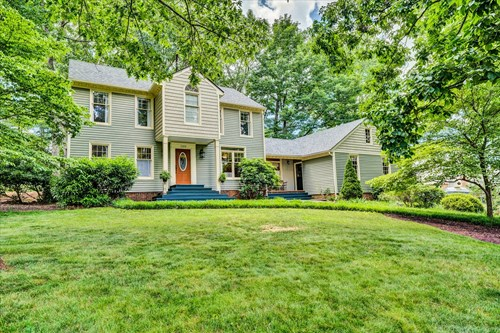 FOREST, VIRGINIA COLONIAL IN GOLF COMMUNITY
