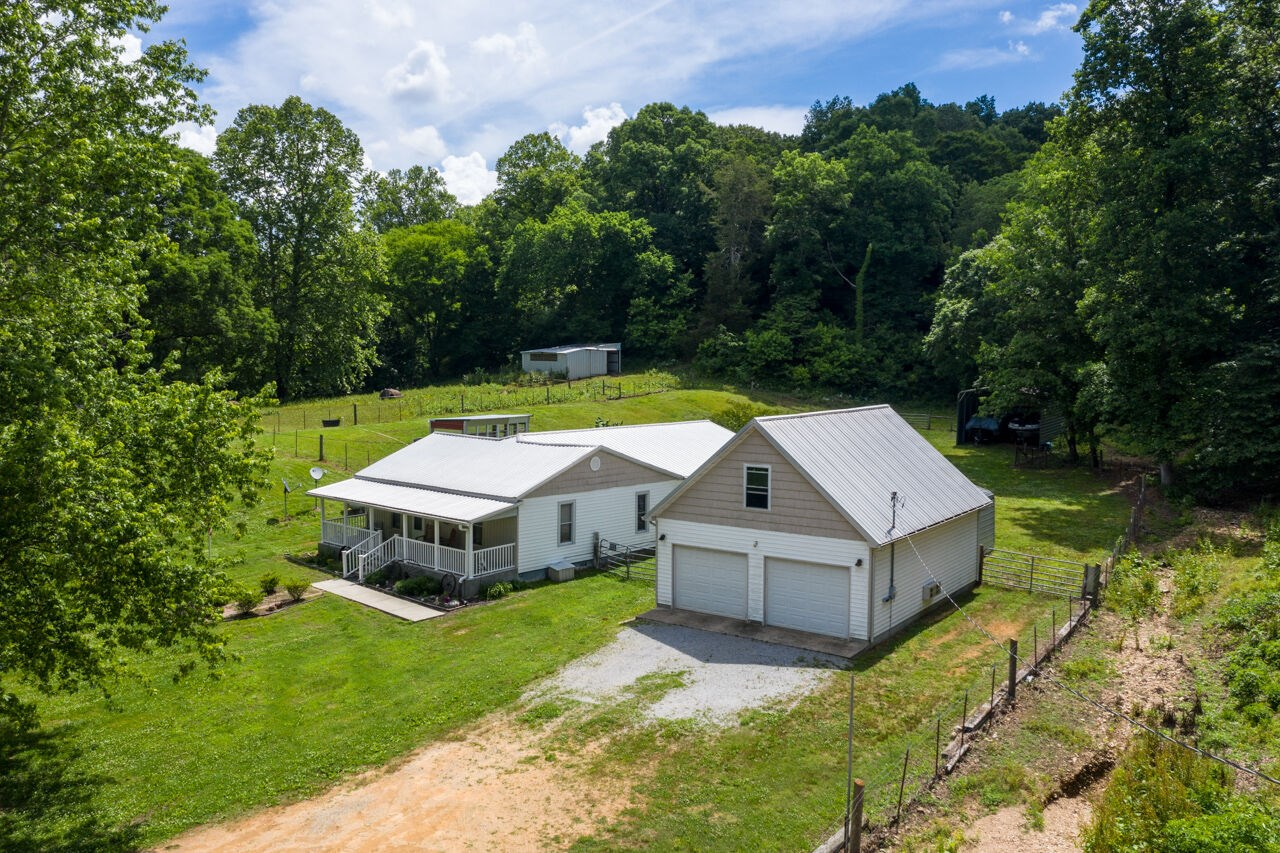 Historic Country Home for Sale in Duck River, Tennessee.