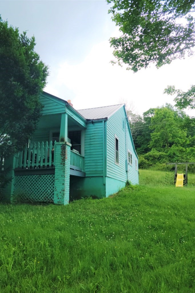 Great starter home. Needs some TLC