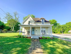 HISTORIC HOME IN TOWN FOR SALE IN DAYTON, TENNESSEE