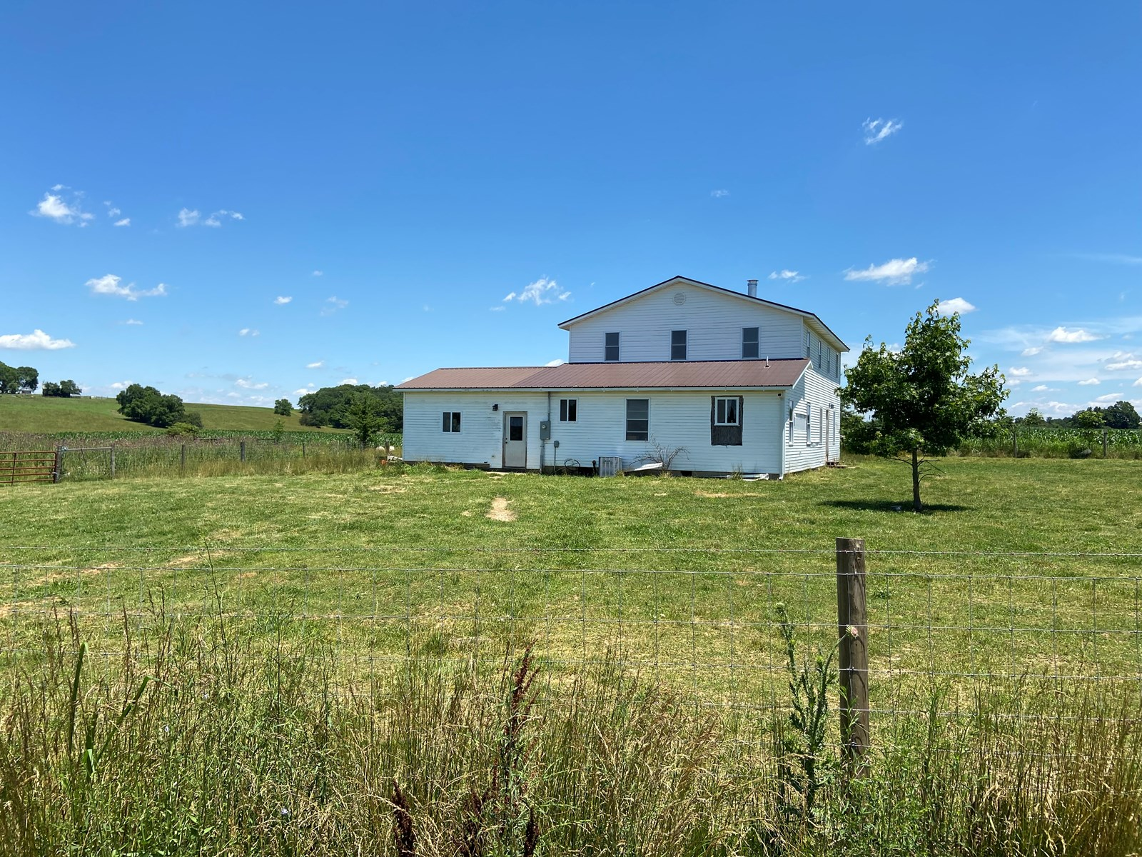 Country Home in Metcalfe County