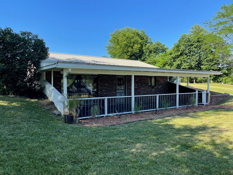 Country Home and Acreage For Sale in St. Clair County, MO