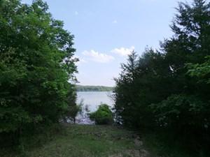 MINUTES WALK TO BULL SHOALS LAKE