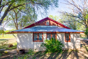 FIXER UPPER FARMHOUSE FOR SALE IN LEWIS, CO!