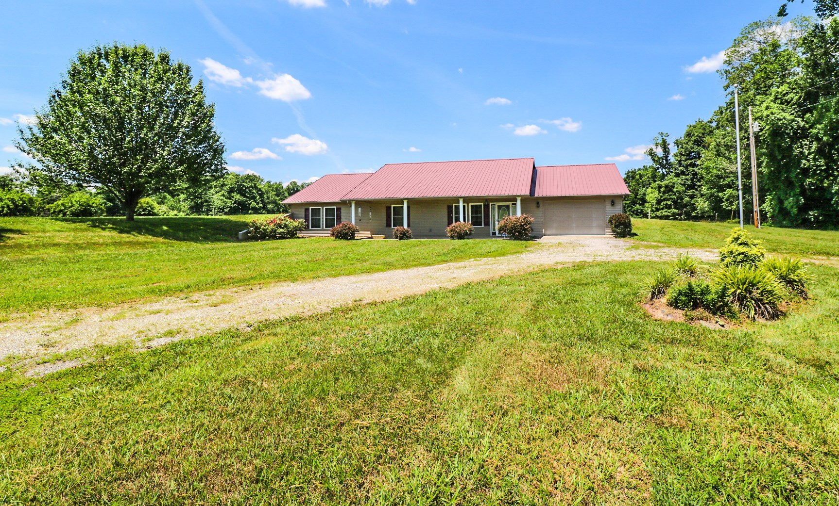 Country home for sale in Adair County Kentucky