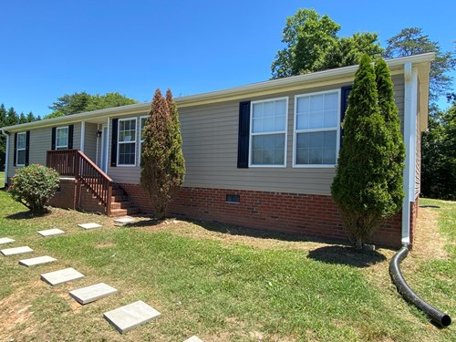 Move-In Ready Manufactured Home For Sale in Stoneville, NC