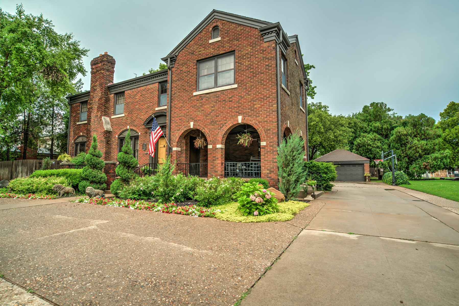 Historic House in Clinton For Sale