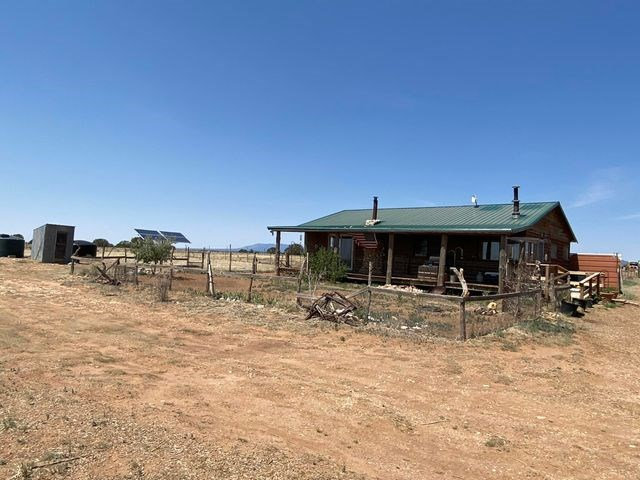 McIntosh, New Mexico Off-Grid Home Now For Sale Torrance Co