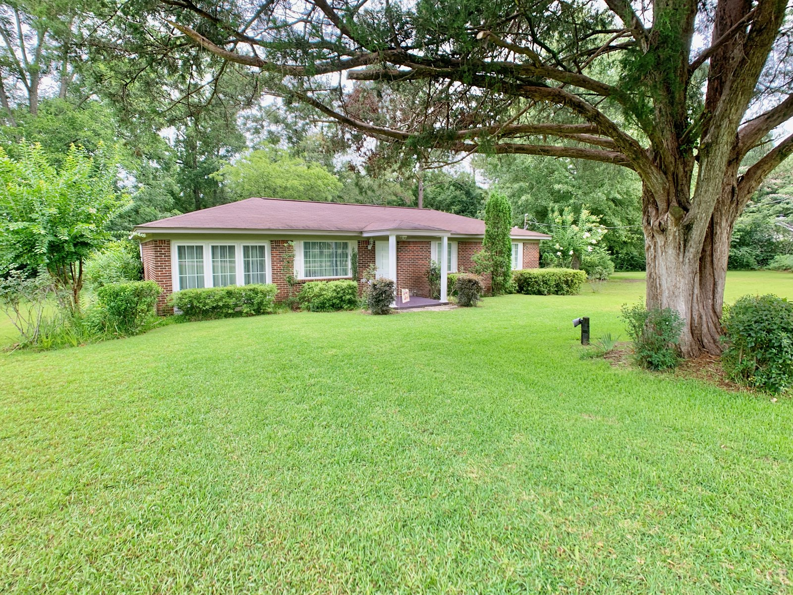 Brick Home on 1 acre Slocomb Alabama Home for Sale -