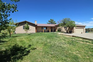 BEAUTIFUL FAMILY HOME FOR SALE IN DOLORES, CO!