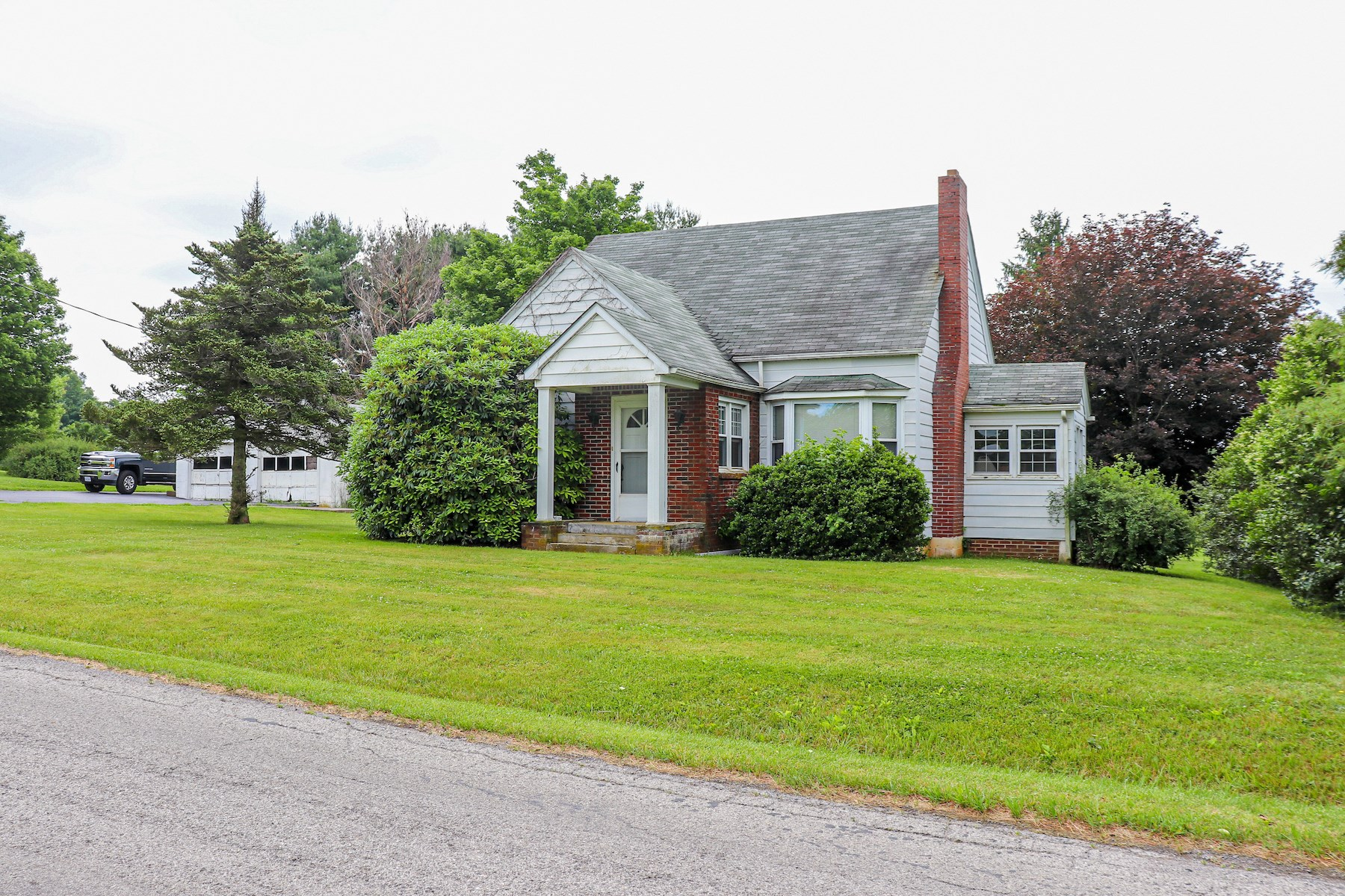 Sweet Country Home for Sale in Check VA! - VA Real Estate