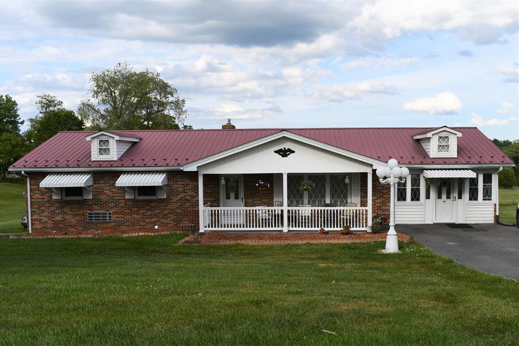 4 BR, 3 BA, 3420 Sq. Ft. Home For Sale, Rural Retreat, VA.