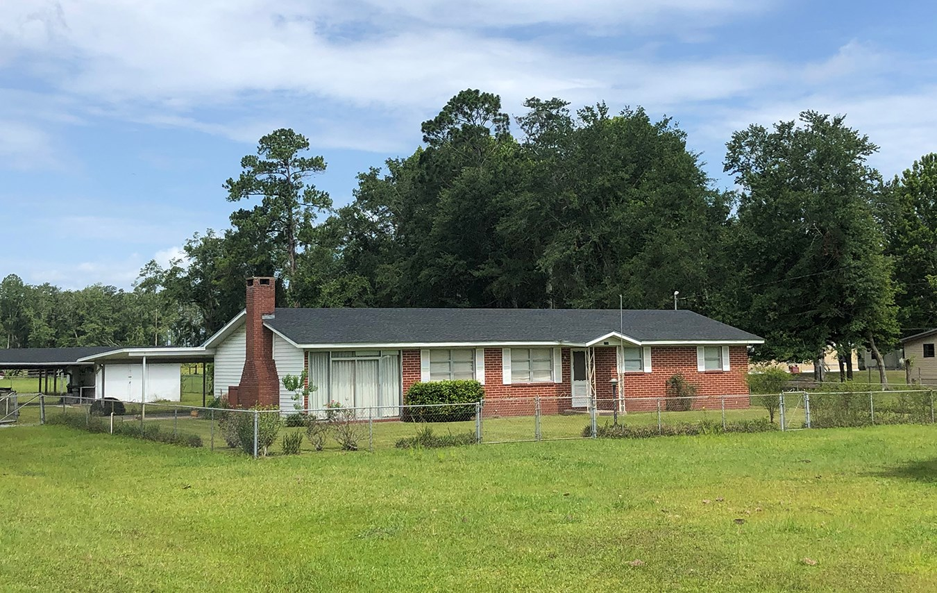 HOME WITH CLEARED ACREAGE IN NORTH CENTRAL FLORIDA