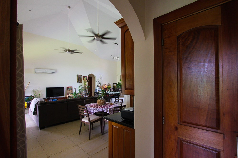 HOUSE FOR SALE IN SAN JOSE CHAME PANAMA
