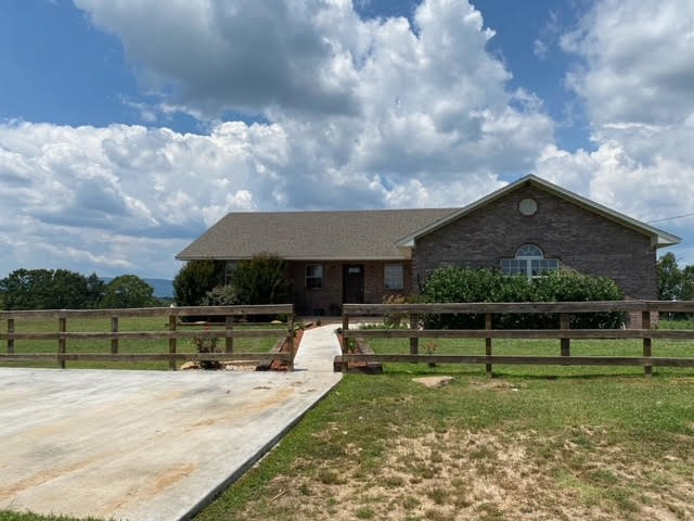 Hobby Farm and Country Home For Sale in Searcy County, AR