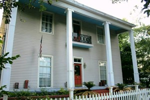 HISTORIC 5 BEDROOM, 2.5 BATH HOME FOR SALE MAGNOLIA, MS