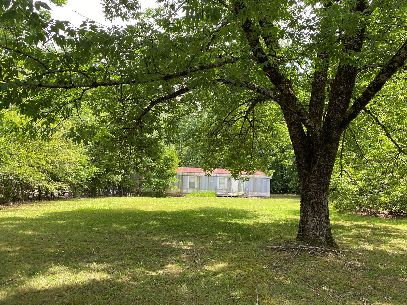 HOME NEAR TENNESSEE RIVER, LEVEL LOT, MOBILE HOME