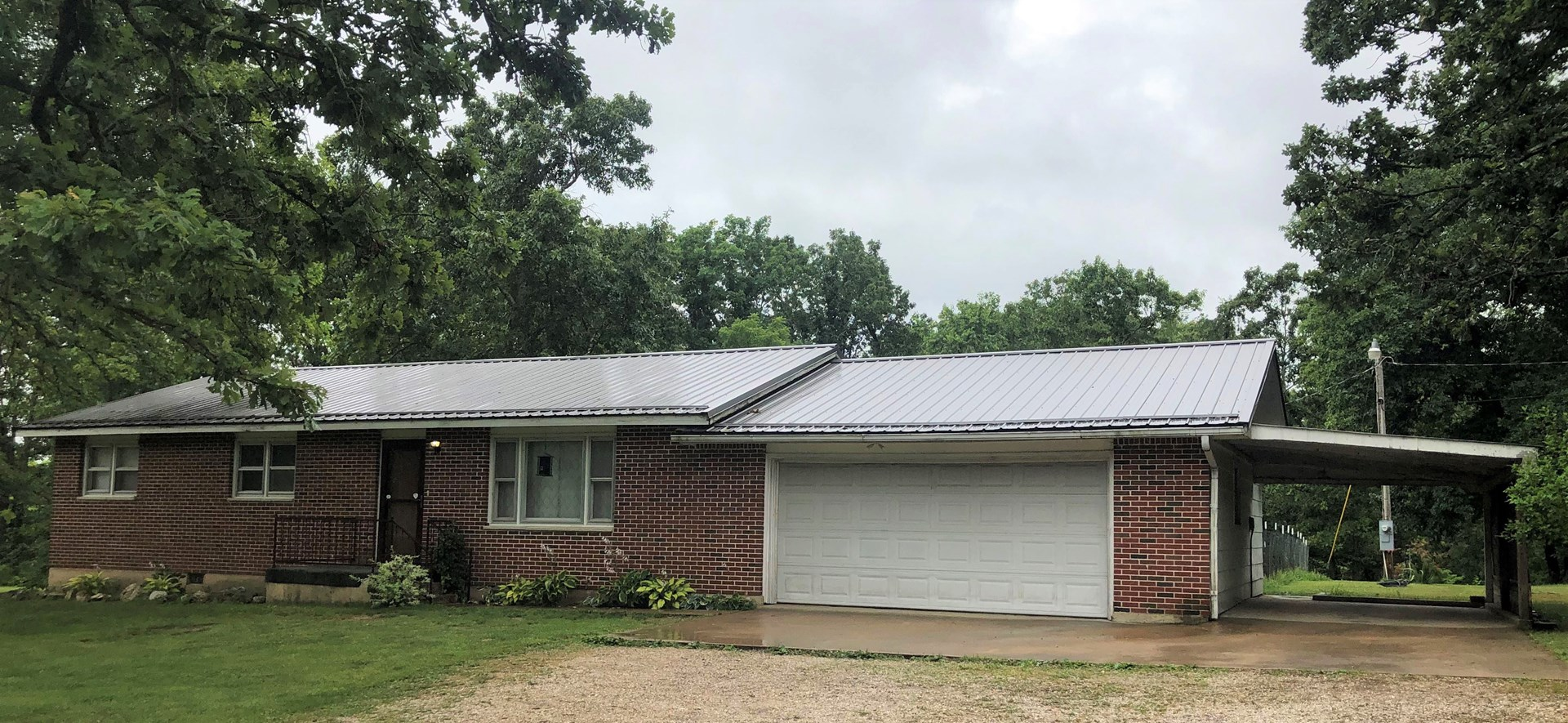3 Bedroom Ranch home located outside Salem city limits!