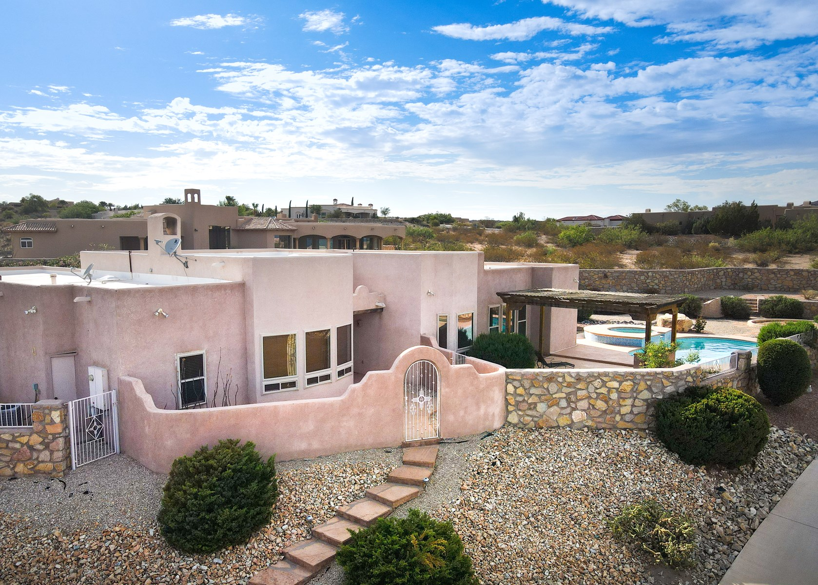 LAS CRUCES NEW MEXICO HOME FOR SALE PICACHO HILLS PROPERTY
